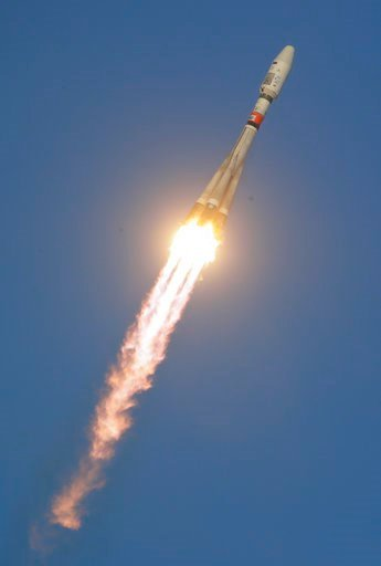 (AP Photo/Dmitri Lovetsky, File). FILE - In this Tuesday, Nov. 28, 2017 file photo, a Russian Soyuz 2.1b rocket carrying Meteor M satellite and additional 18 small satellites, flies in the sky at the new Vostochny cosmodrome outside the city of Tsiolko...