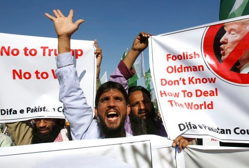 (AP Photo/Fareed Khan). Supporters of Pakistani religious groups rally to condemn a tweet by U.S. President Donald Trump in Karachi, Pakistan, Tuesday, Jan. 2, 2018. Trump slammed Pakistan for 'lies & deceit' in a New Year's Day tweet that said Isl...