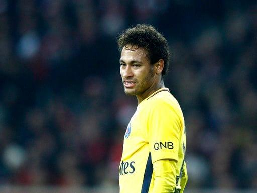 (AP Foto/Michel Spingler). El jugador de PSG, Neymar, durante un partido contra Lille por la liga francesa el sábado, 3 de febrero de 2018, en Lille, Francia.