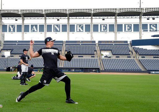 (AP Photo/Lynne Sladky). New York Yankees relief pitcher Chad Green throws during baseball spring training, Tuesday, Feb. 13, 2018, in Tampa, Fla.