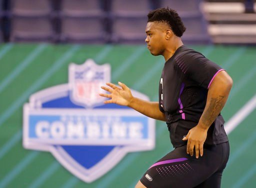 (AP Photo/Darron Cummings). Oklahoma offensive lineman Orlando Brown runs the 40-yard dash during the NFL football scouting combine, Friday, March 2, 2018, in Indianapolis.