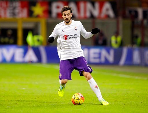 (AP Photo/Antonio Calanni, File). FILE - In this Sunday, Jan. 17, 2016 filer, Fiorentina's Davide Astori goes for the ball during the Serie A soccer match between AC Milan and Fiorentina at the San Siro stadium in Milan, Italy. Fiorentina captain David...