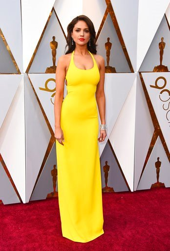 (Photo by Jordan Strauss/Invision/AP). Eiza Gonzalez arrives at the Oscars on Sunday, March 4, 2018, at the Dolby Theatre in Los Angeles.