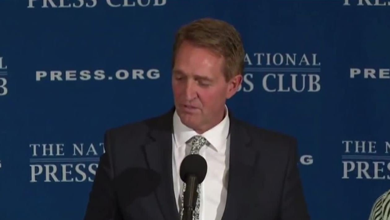 Sen. Jeff Flake said he thinks there should be a Republican challenger to the president in 2020. (Source: CNN/National Press Club)