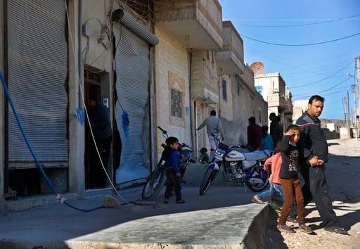 Last rebel group starts leaving Ghouta
