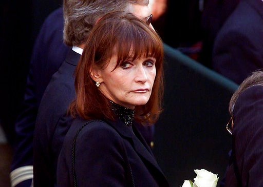 (Adrian Wyld/The Canadian Press via AP). FILE - In this Oct. 3, 2000 file photo, actress Margot Kidder, who dated former Prime Minister Pierre Trudeau, arrives for his funeral at Notre-Dame Basilica in Montreal, Quebec. Kidder, who starred as Lois Lane...