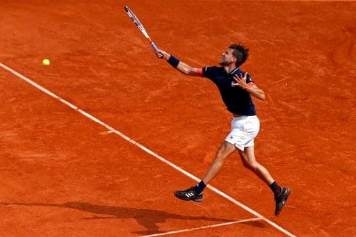 (AP Photo/Thibault Camus). Austria's Dominic Thiem returns the ball to Spain's Rafael Nadal during the men's final match of the French Open tennis tournament at the Roland Garros stadium, Sunday, June 10, 2018 in Paris.