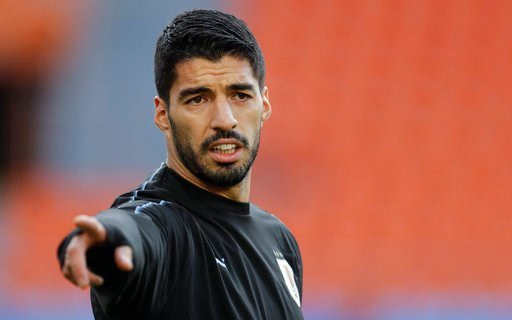 (AP Photo/Natacha Pisarenko). Uruguay's Luis Suarez gestures during Uruguay's official training on the eve of the group A match between Egypt and Uruguay at the 2018 soccer World Cup in the Yekaterinburg Arena in Yekaterinburg, Russia, Thursday, June 1...
