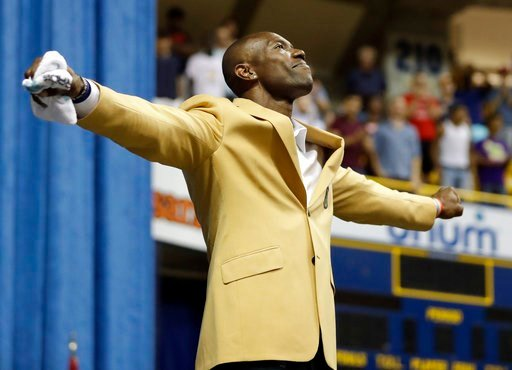 """(AP Photo/Mark Humphrey). Former wide receiver Terrell Owens forms the letter """"T"""" after he delivered his NFL Pro Football Hall of Fame speech on Saturday, Aug. 4, 2018, in Chattanooga, Tenn. Instead of speaking at the Hall of Fame festivities in Canton..."""
