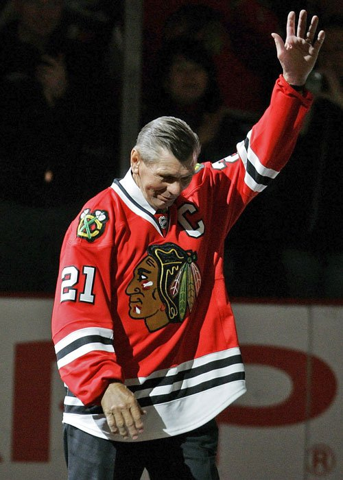 Stan Mikita, the hockey great who led the Chicago Blackhawks to the 1961 Stanley Cup, died at the age of 78. (AP Photo/Brian Kersey, File)