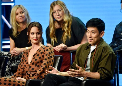 """(Photo by Chris Pizzello/Invision/AP). Jake Choi, right, a cast member in the Disney ABC television series """"Single Parents,"""" answers a question as fellow cast member Leighton Meester, front left, and co-creators/executive producers JJ Philbin, top left..."""