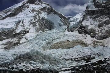 13th body pulled from snow in Everest avalanche